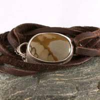Shandar, bracelet en argent, cuir et paysage de jaspe