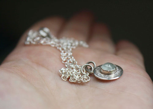 Aigue-marine, collier en argent et aigue-marine