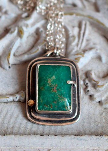 Sanctuaire, collier rectangle sacré en argent et chrysoprase